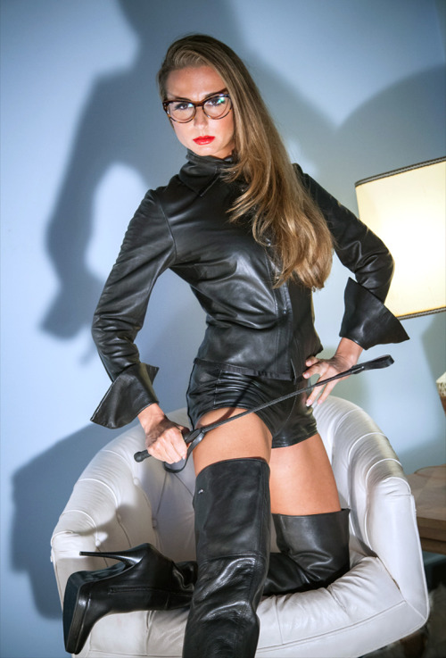 Ideas – la dominatrix
